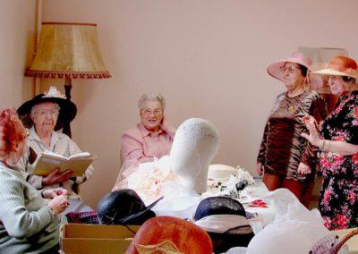 Galerie-atelier-chapeaux-SENIORETTES-01