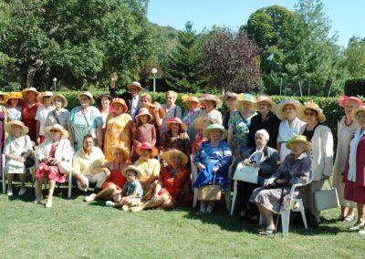 Galerie-atelier-chapeaux-mesdames-seniorettes-photo-groupe