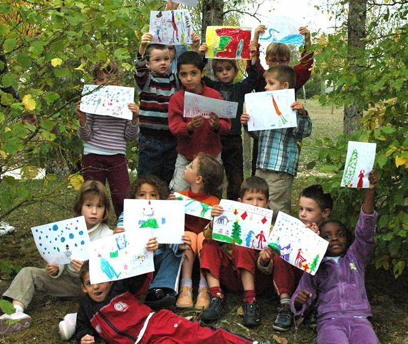 Atelier-1000 Pattes pour les Enfants-Création de l'affiche et de la carte de voeux